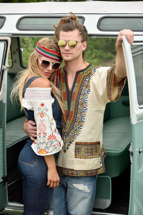 young couple dressed as hippies